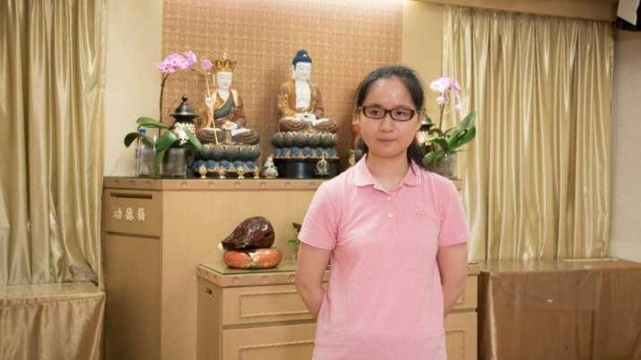 宝如感恩失明人佛教會給予機會,讓她參與點字佛經工作,並負責指導視障人士使用智能手機,她笑言在這裏工作,較以往更精進。